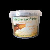 Friandise pour chevaux SANS SUCRE à base de foin, de feuilles d'ortie et de feuilles de menthe